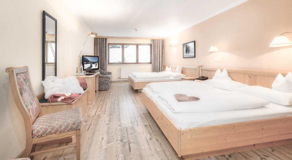 Mehrbettzimer mit 2 Doppelbetten in Obertauern